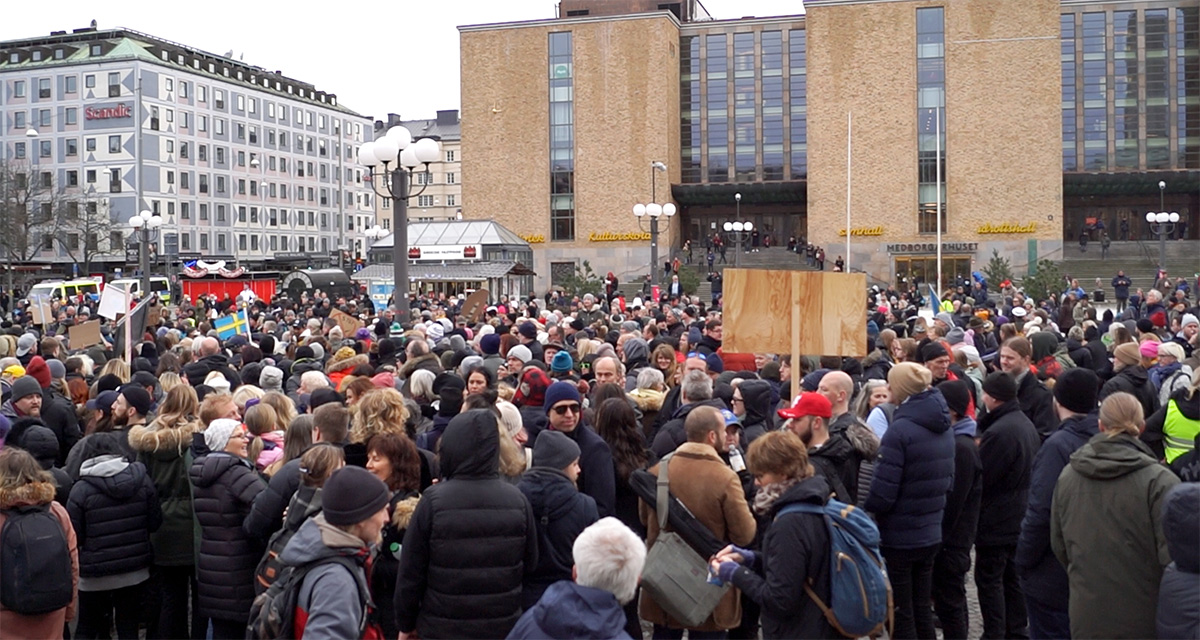 Tusenmannamarschen var en protest mot pandemipopulism i Sverige. Medborgarplatsen den 6 mars 2021. Foto: NewsVoice.se